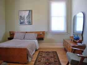 bed1cottage_280